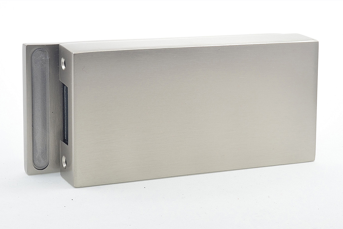 Cubo strike box for glass double doors