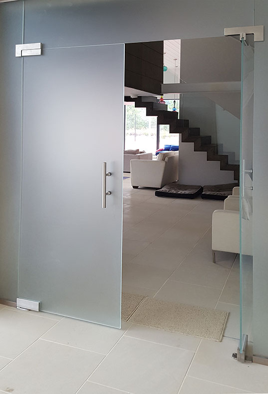 image link to frameless glass partitions