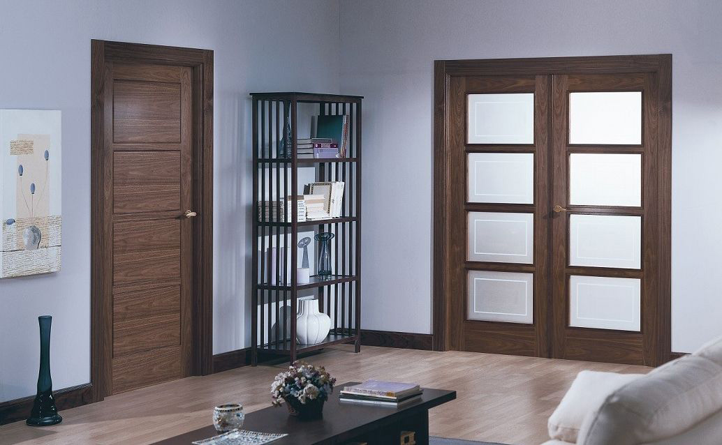 Liso doors walnut